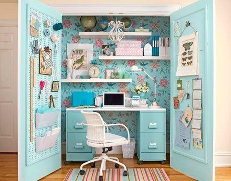 escritorio en armario todo en orden